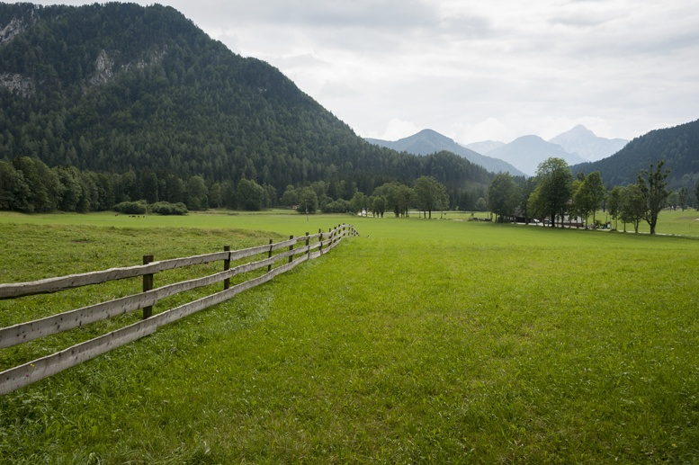 slovenia valley fence