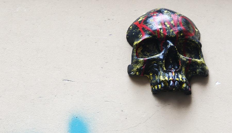 budapest skull street art