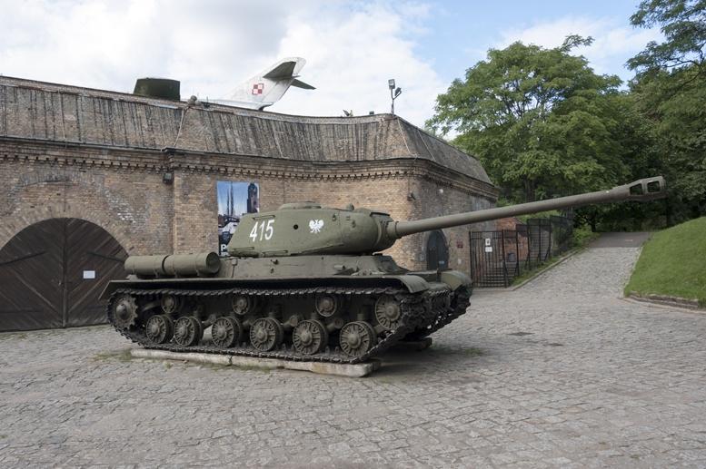 poznan cytadela tanks walls