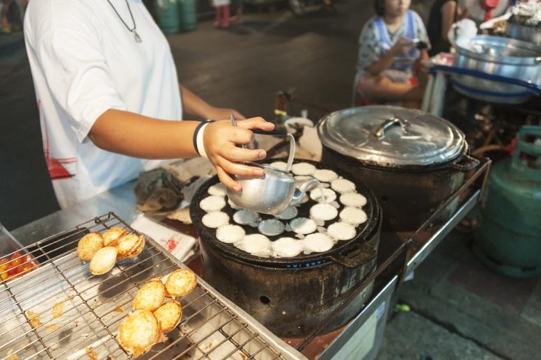 Bangkok coconut custard tarts