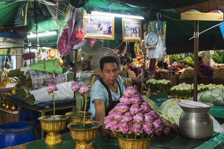 Bangkok night flower market lotus