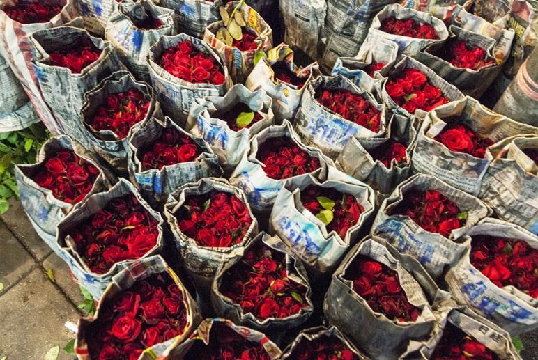 Bangkok night flower market roses