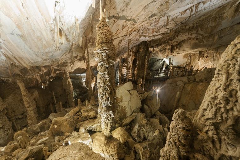 cave columns stalactites stalagmites