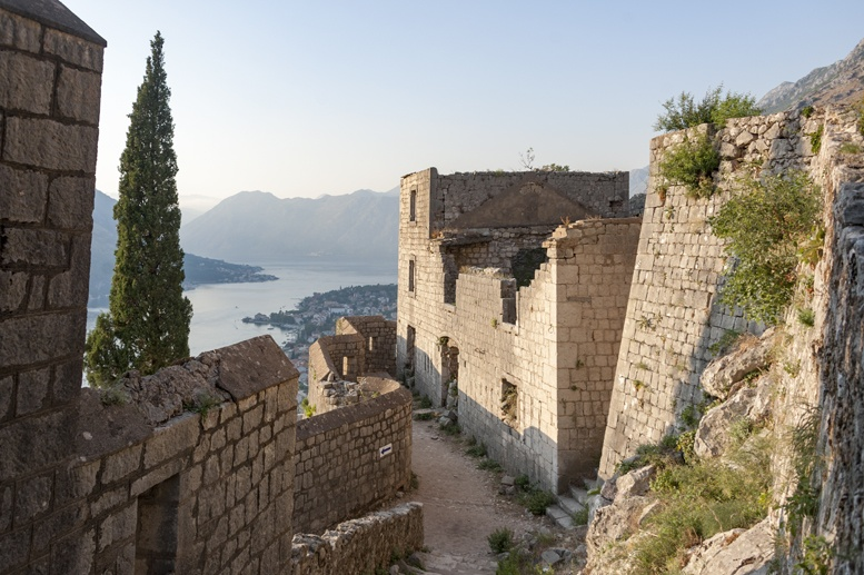 kotor fortress walls