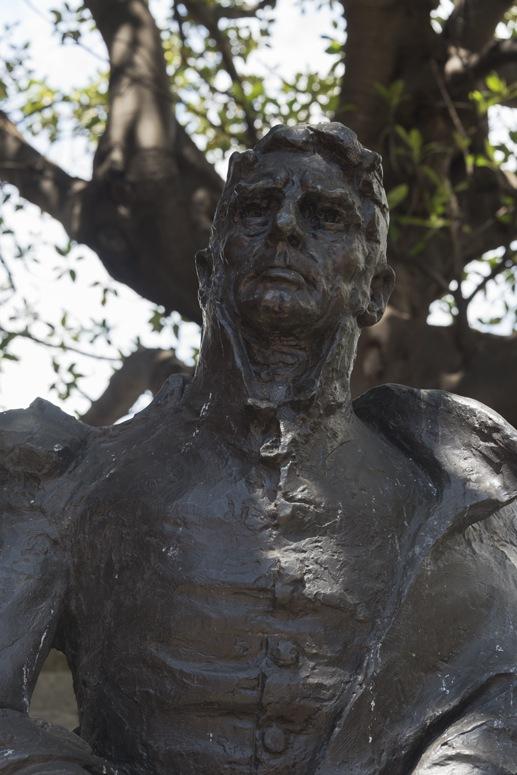 lachlan macquarie statue sydney
