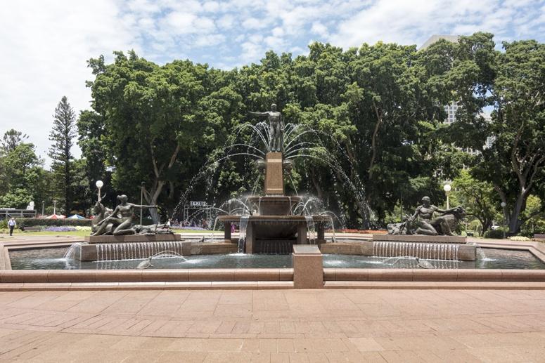 hyde park australia fountain