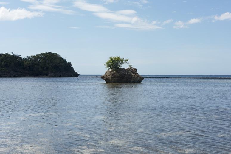 tiny island ocean philippines