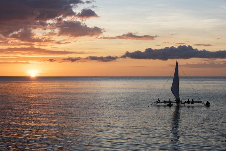 bangka sailboat sunset negros