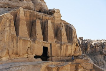 Petra-Temple-with-Man