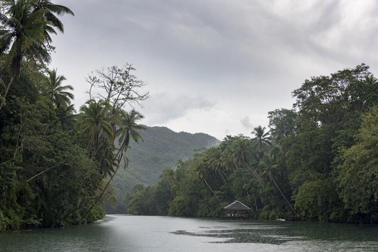 loboc river rain philippines