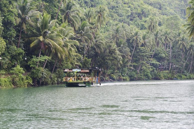 loboc river rain lunch boat