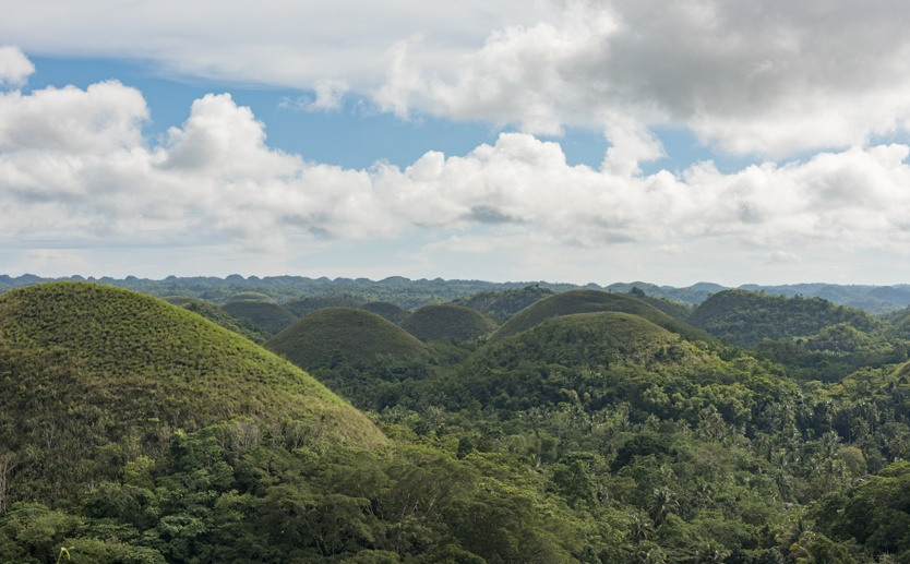 things to do in bohol chocolate hills