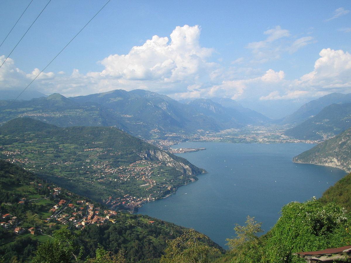 Lago-iseo-above