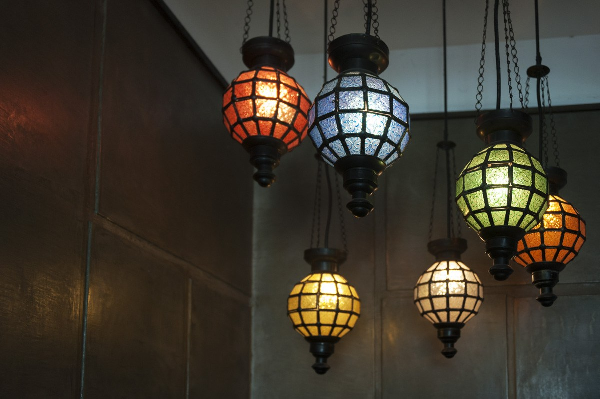 batik hotel lamps