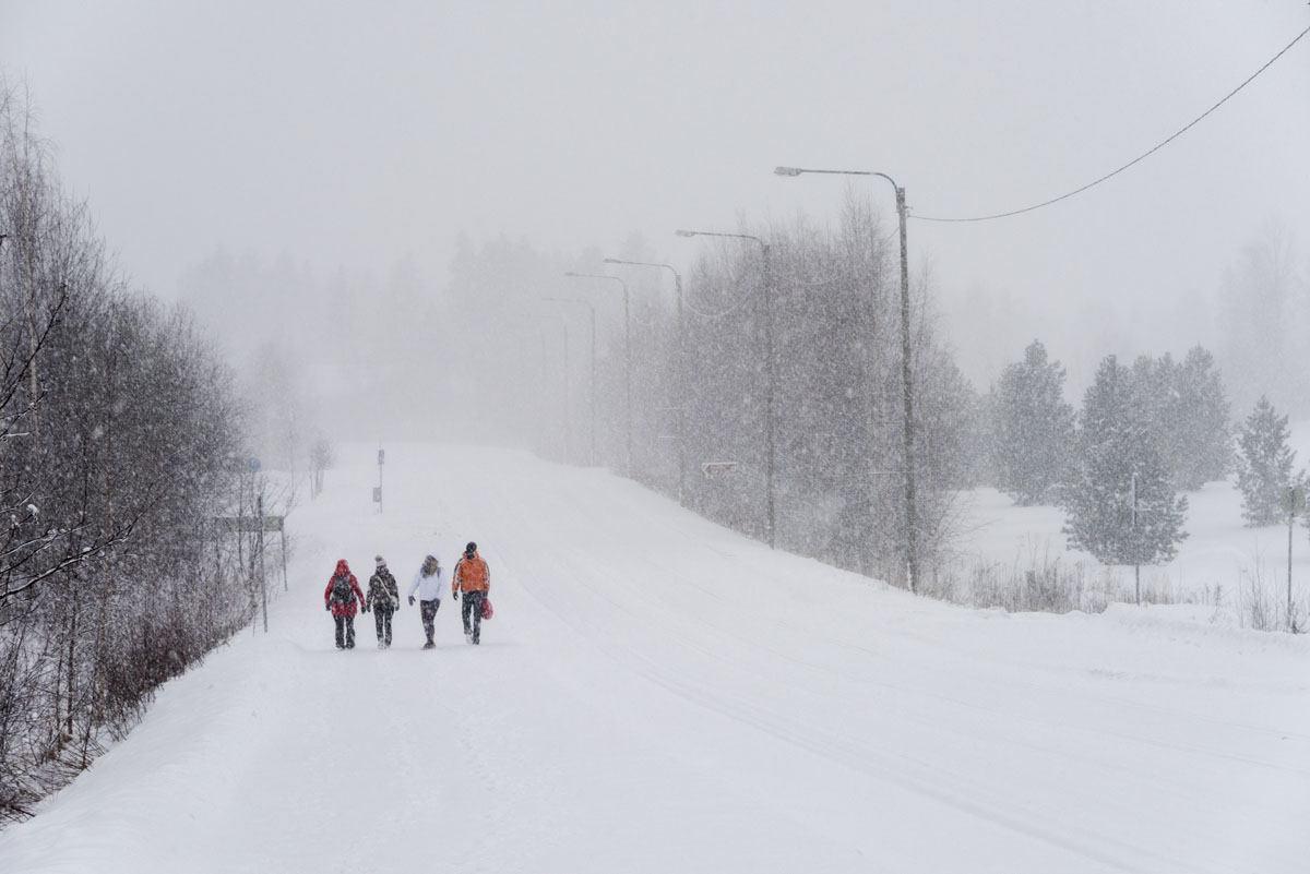 tahko snowy road finland