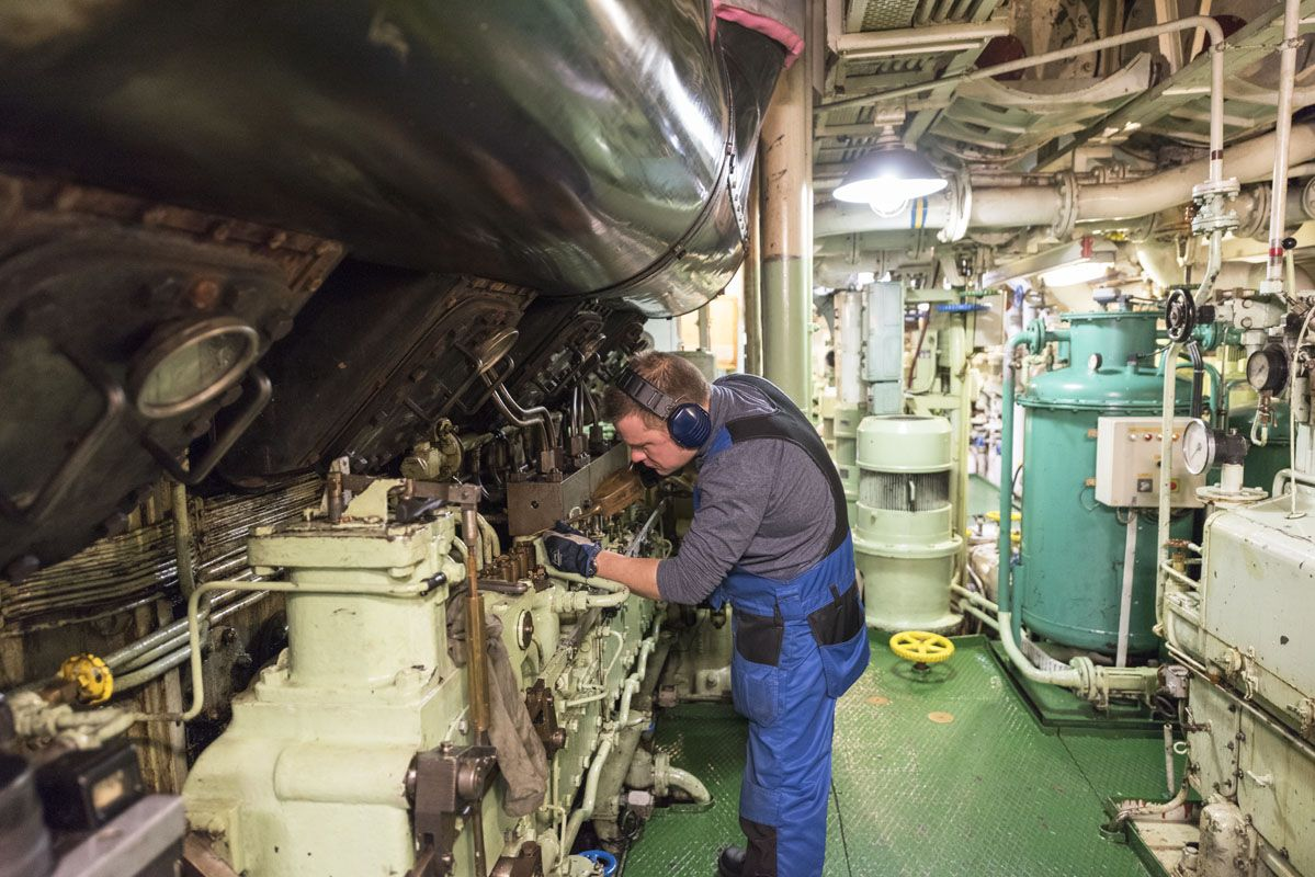 sampo icebreaker engine room
