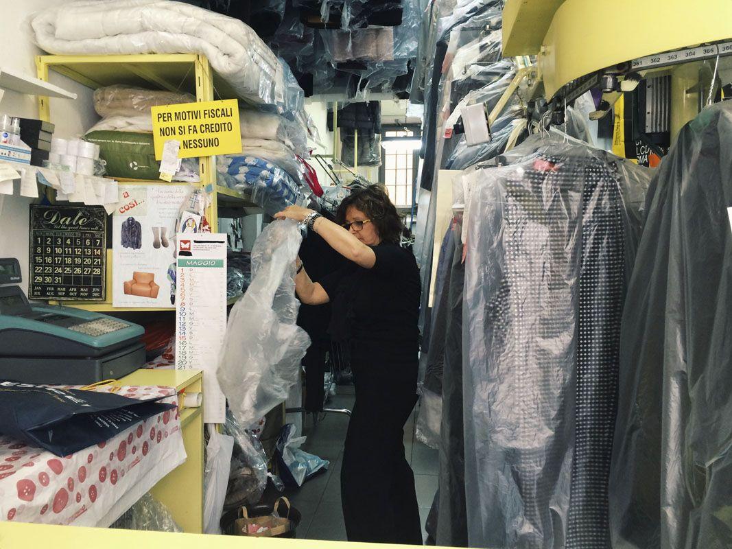 via roma lavanderia reggio