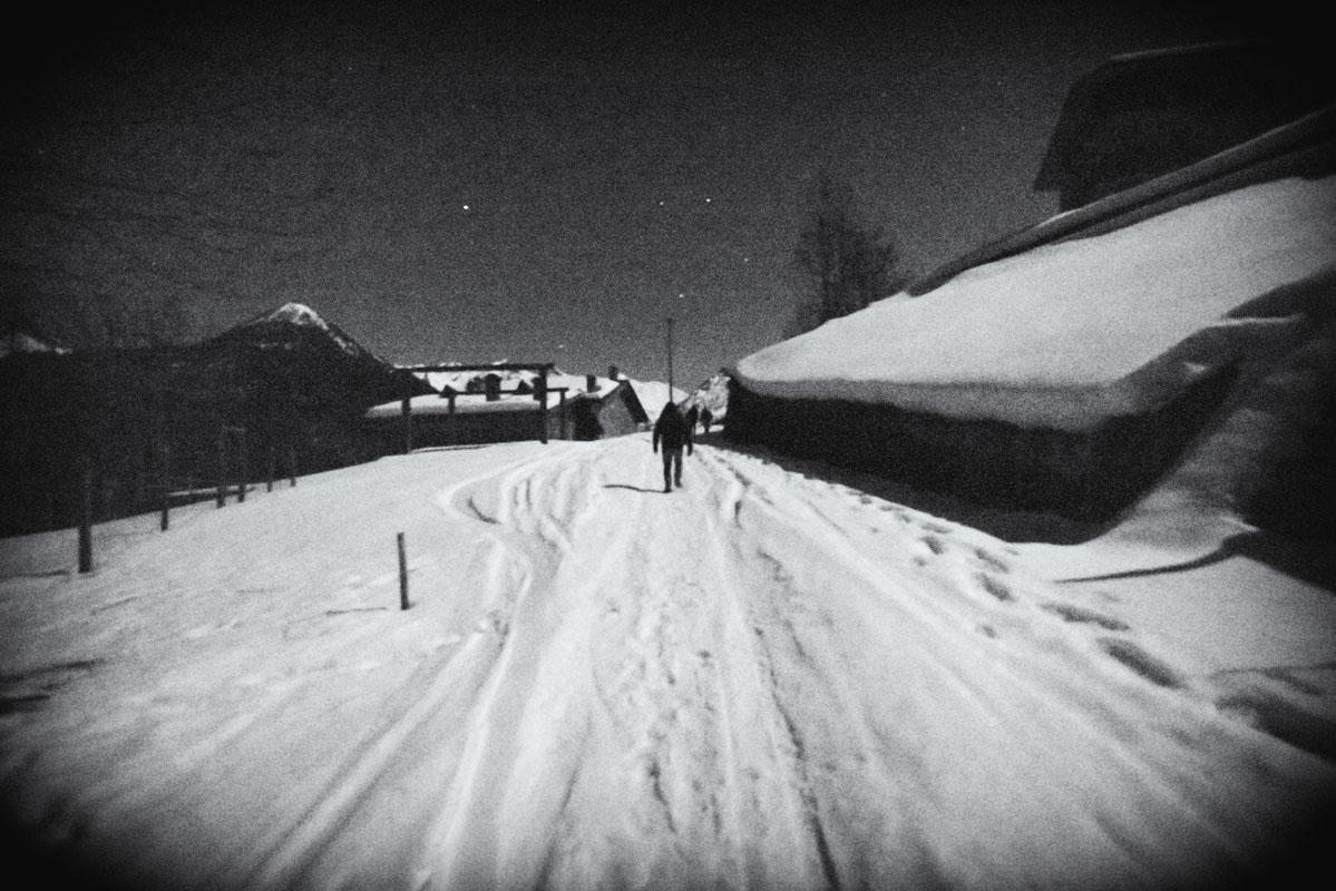 gerola alta snowy street night