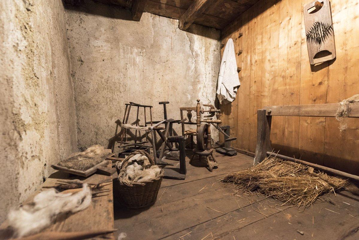 valgerola ecomuseo wool spinning room