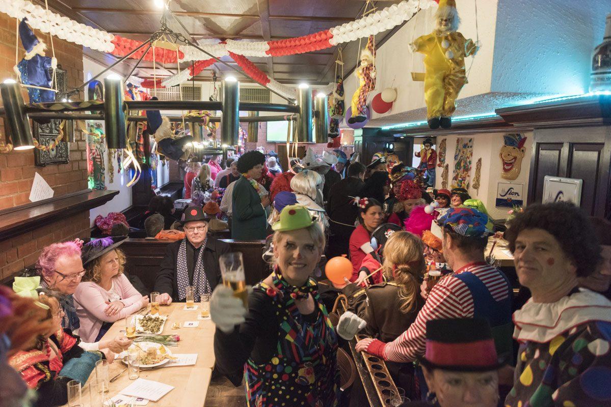 cologne carnival inside gertrudenhof