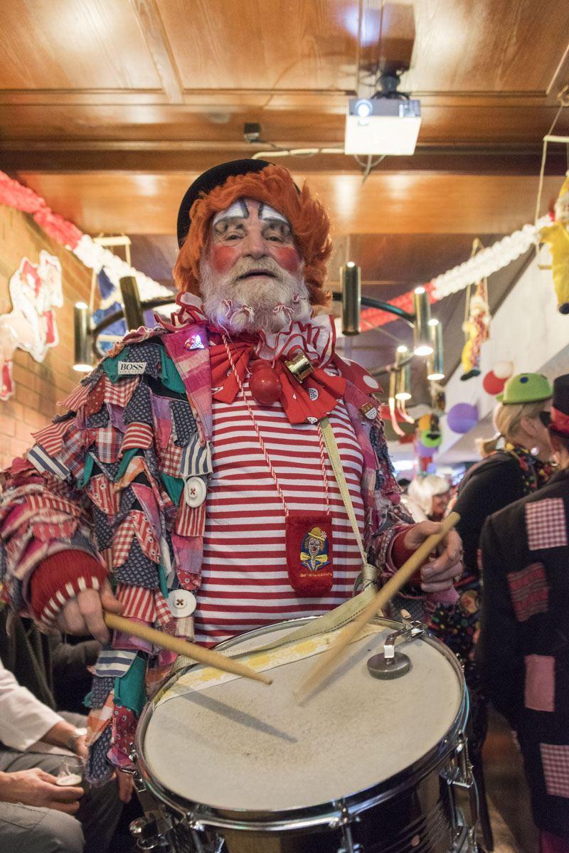 Cologne_Carnival_drummer_gertrudenhof
