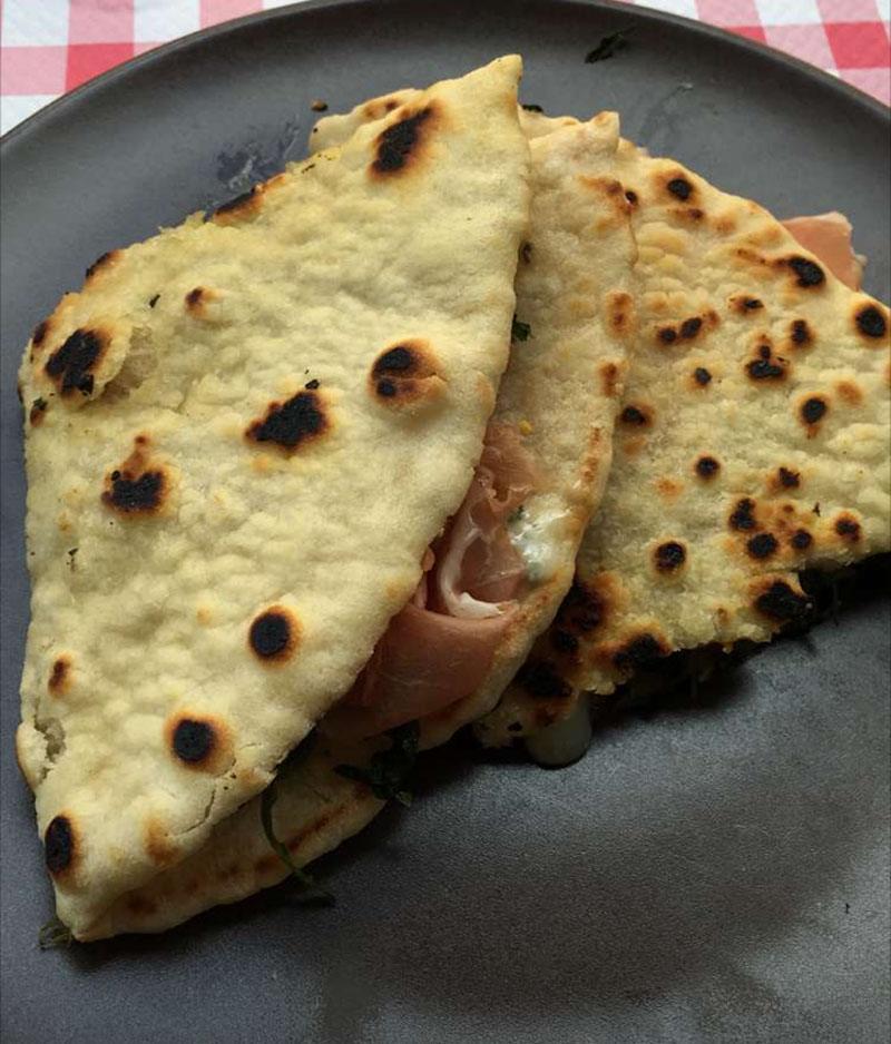 striatelle milan street food