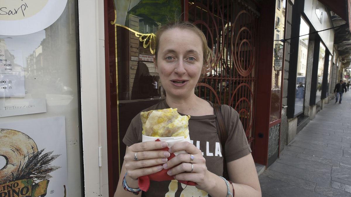 chinese crepe ravioleria sarpi eating