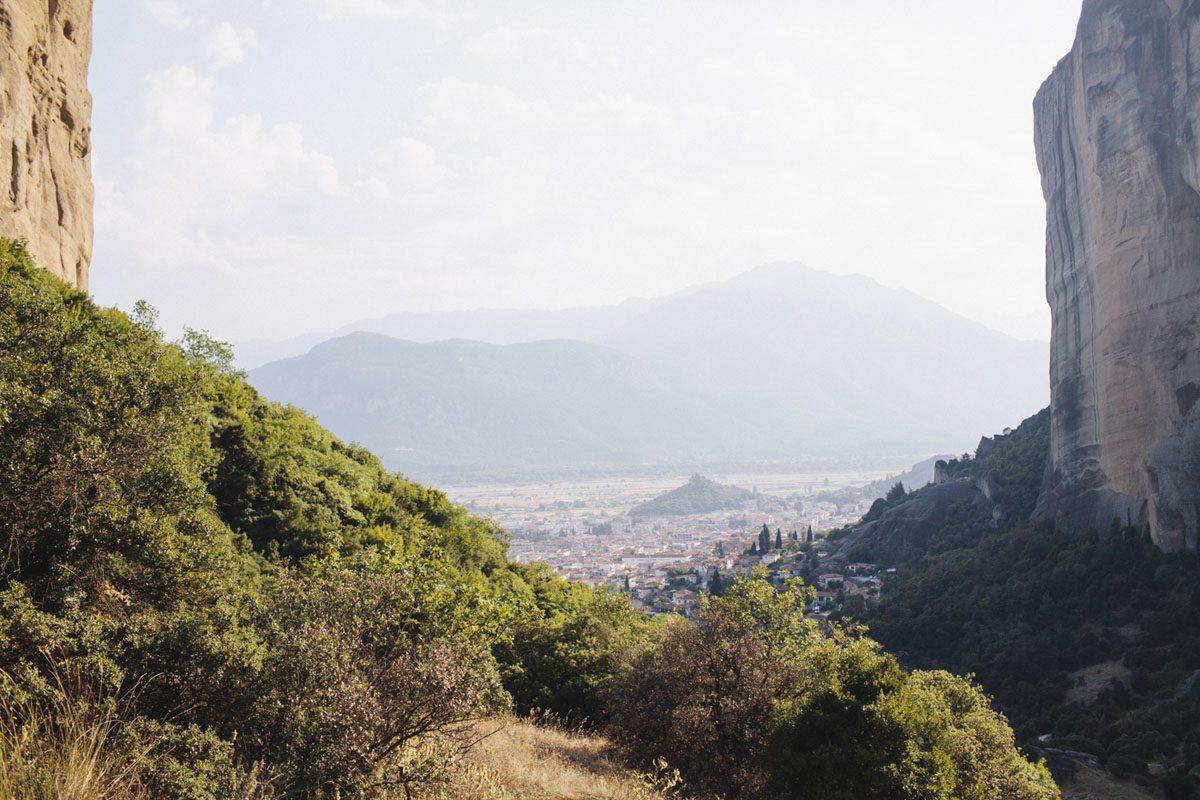 meteora mountains greece