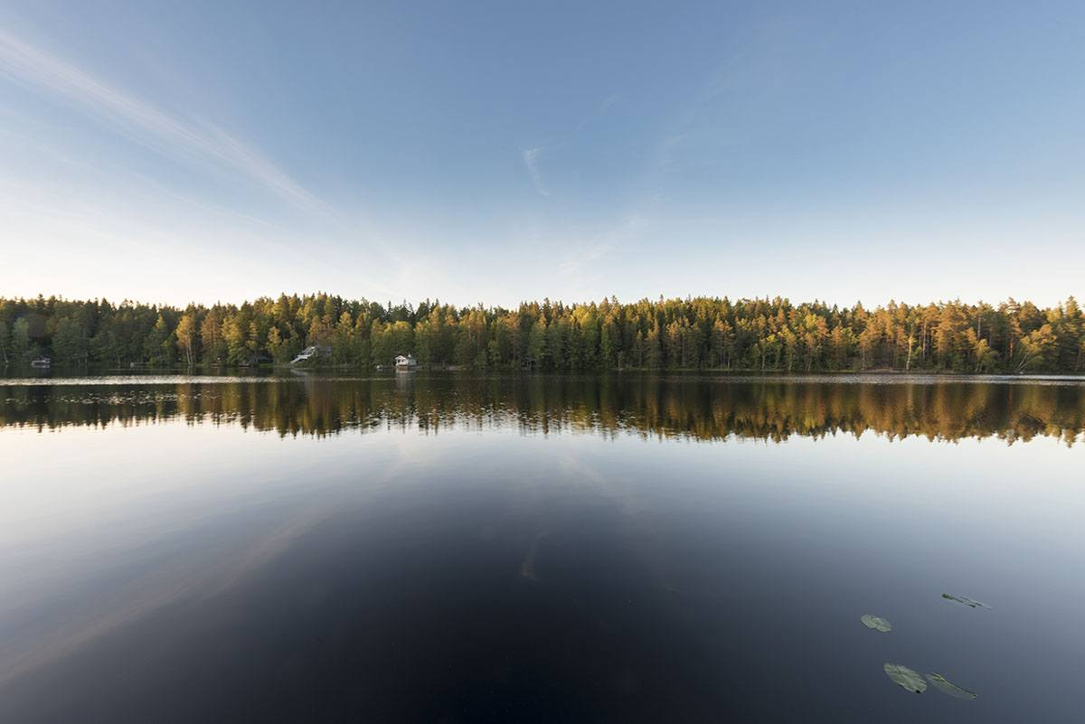 nuuksio lake reflection
