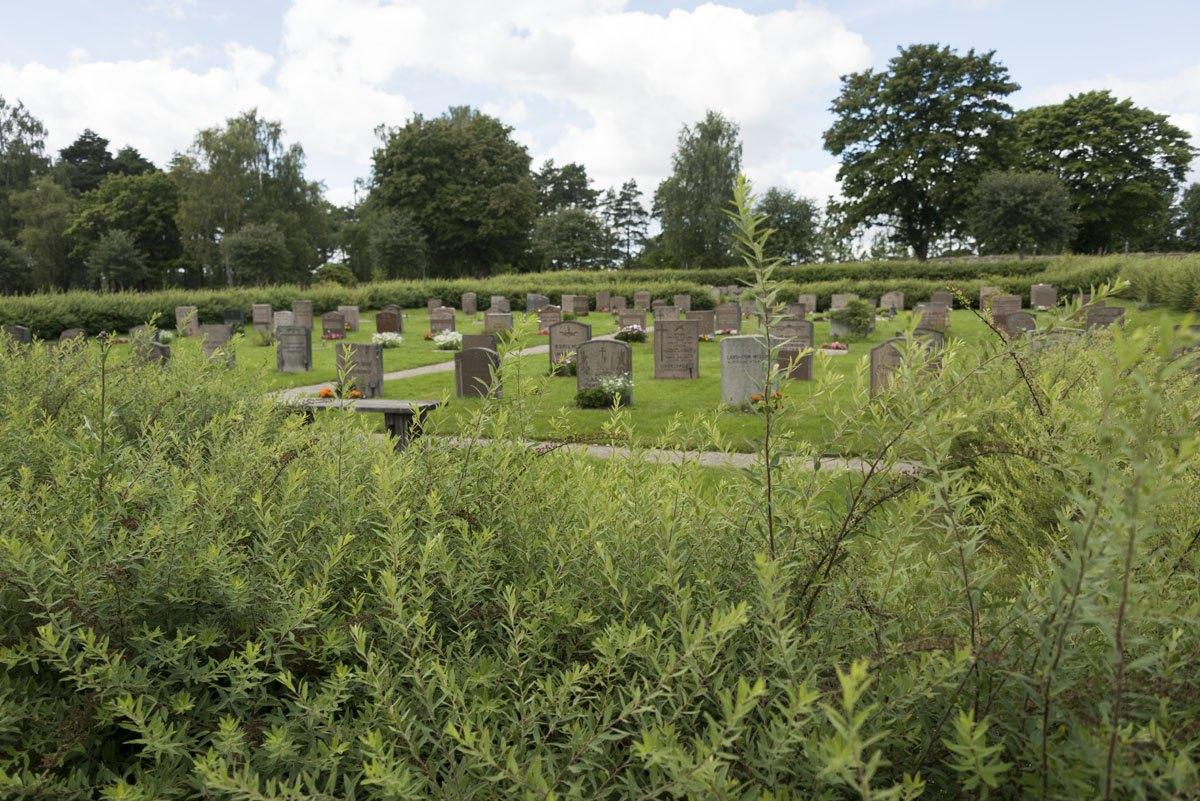 Skogskyrkogarden cemetery hills
