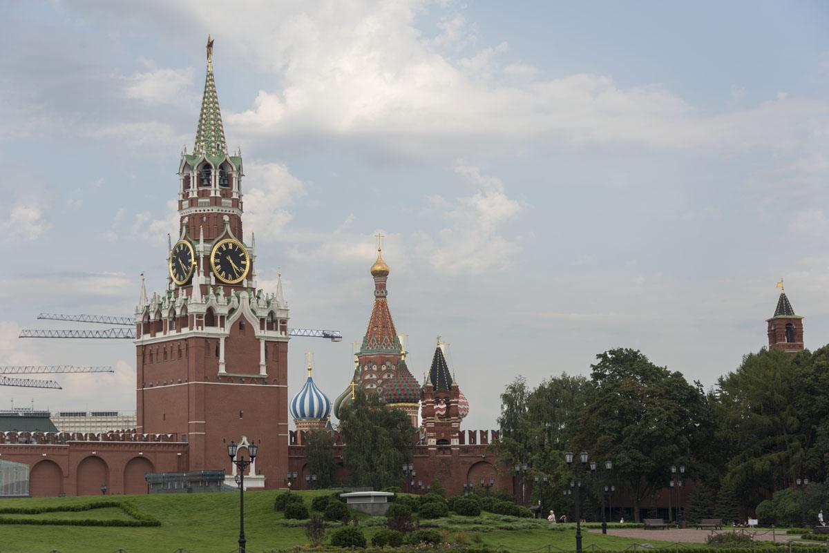 kremlin-red-square-view