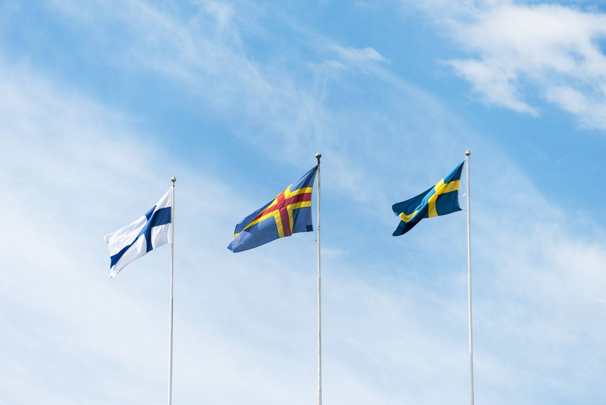 aland-islands-flag-finnish-swedish