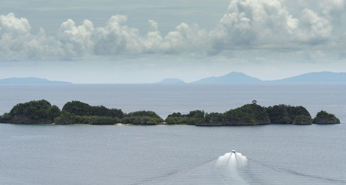 raja-ampat-boat-tour