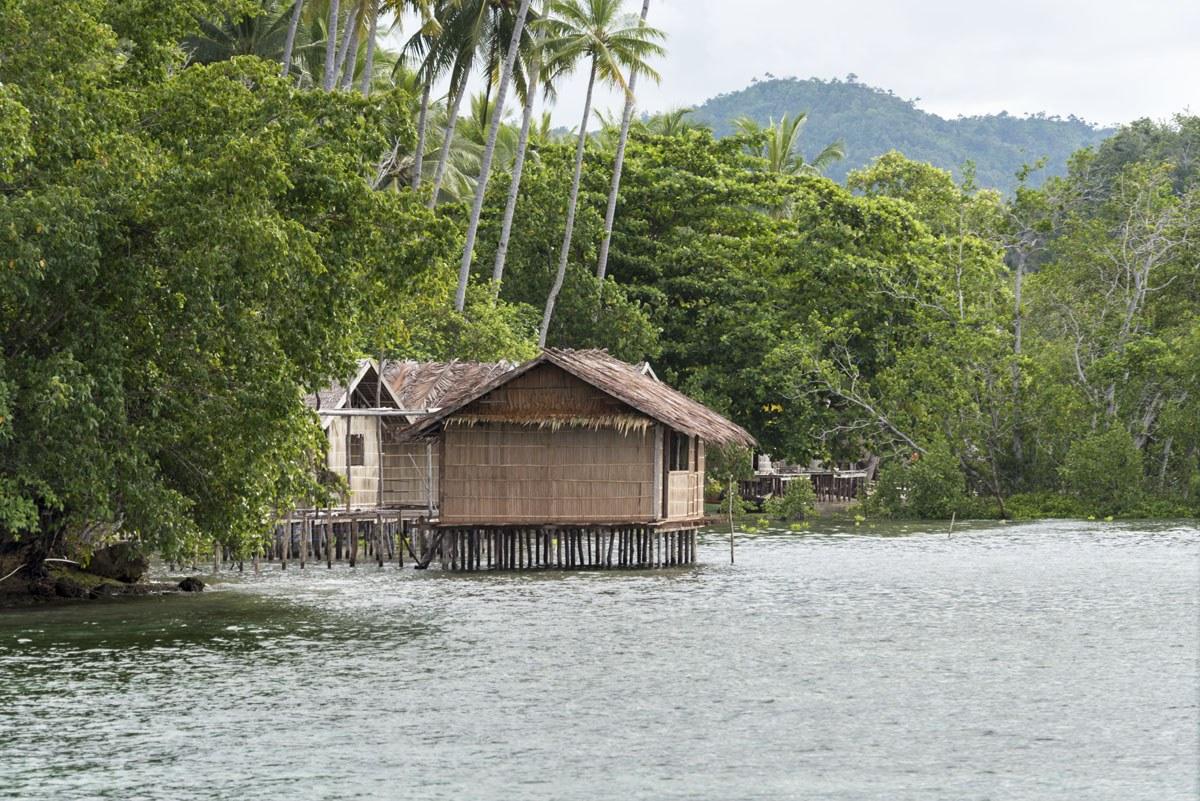 raja-ampat-indonesia-village