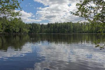sipoonkorpi national park lake