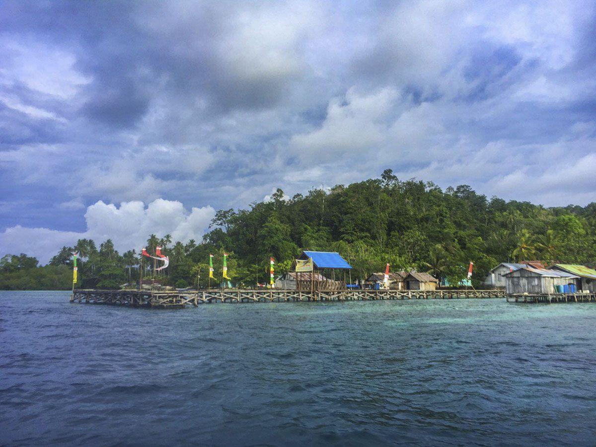 travel-raja-ampat-dive-lodge