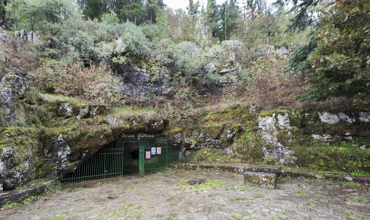 vjetrenica-cave-bosnia-entrance