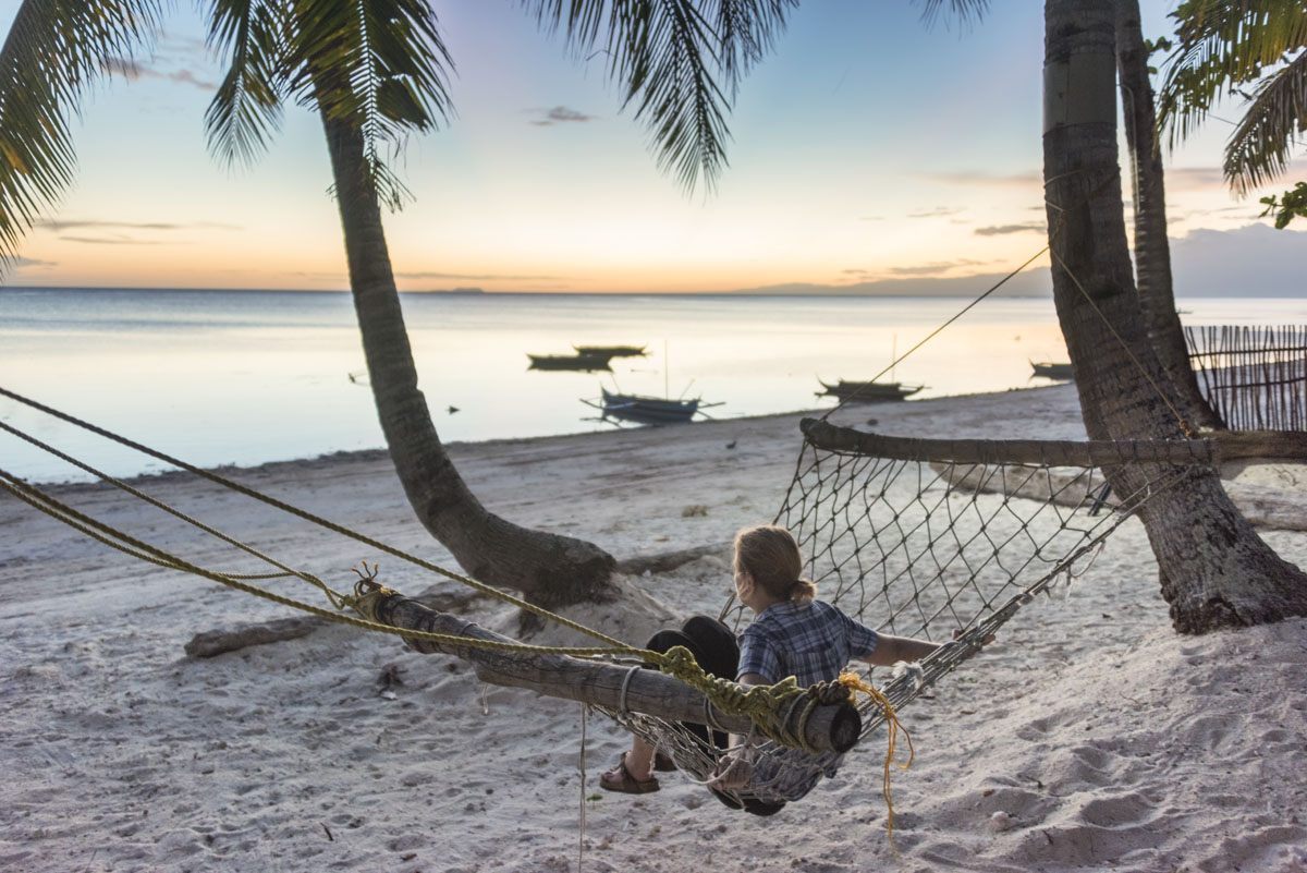Philippines-Siquijor-coral-cay-hammock