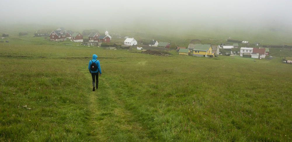 mykines faroe islands walking back