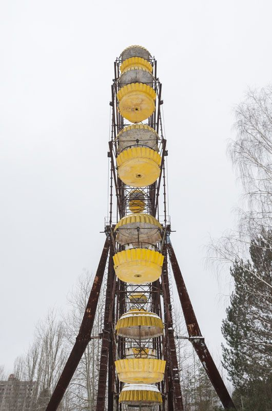visit chernobyl pripyat wheel side