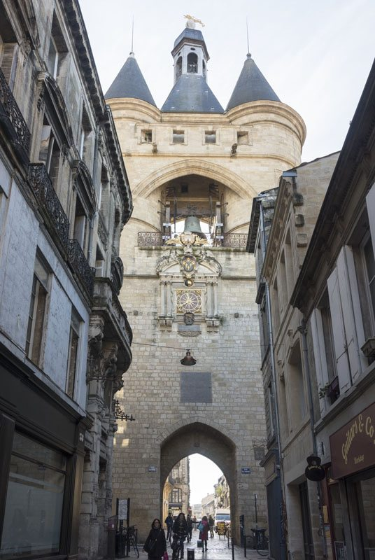 things to do in bordeaux grosse cloche