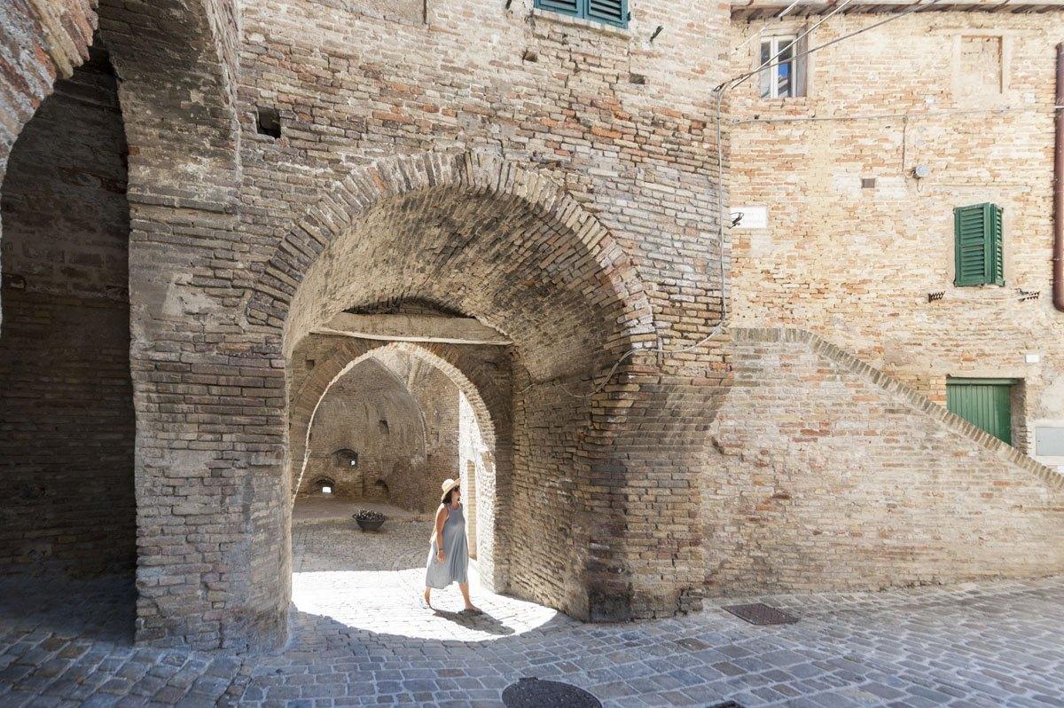 corinaldo walls door