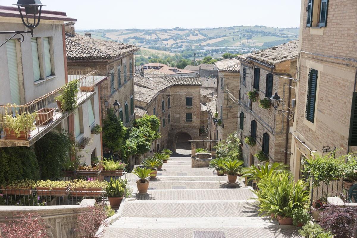 visit corinaldo stairs