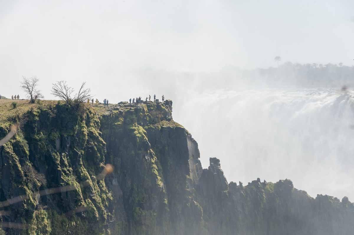 victoria falls zambia mist