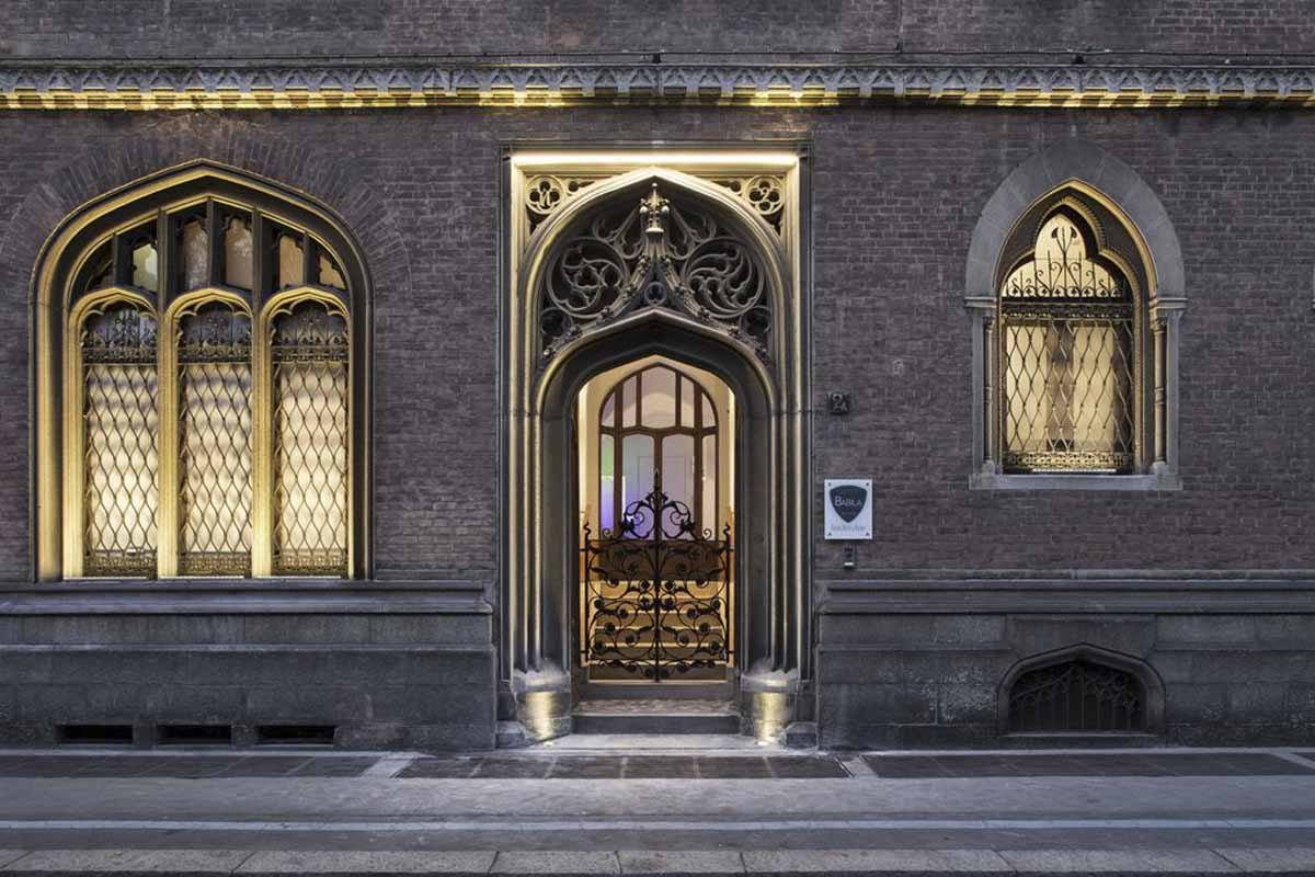Where to stay in milan best hotels the crowded planet for Hostel milan
