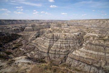 Visit drumheller dinosaur capital canada