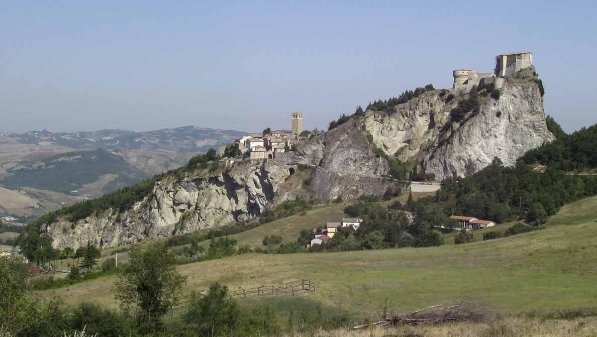 small town emilia romagna san leo