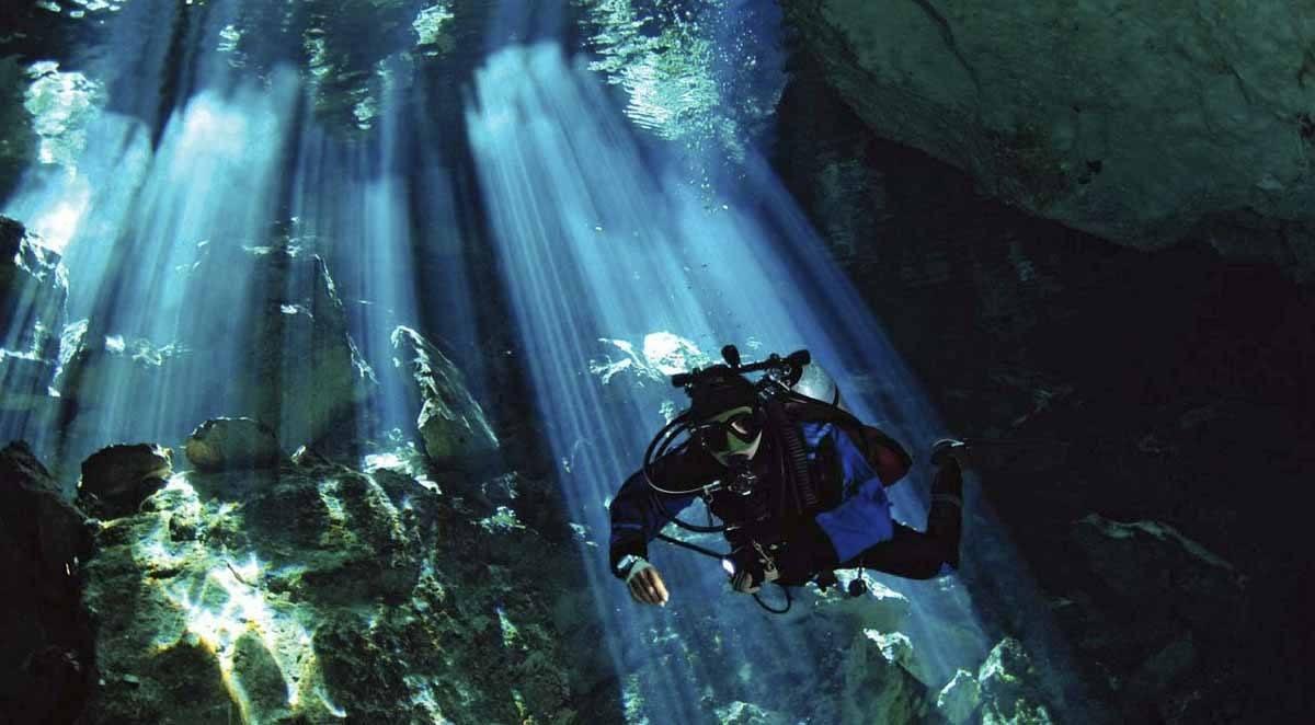 cenote diving tulum