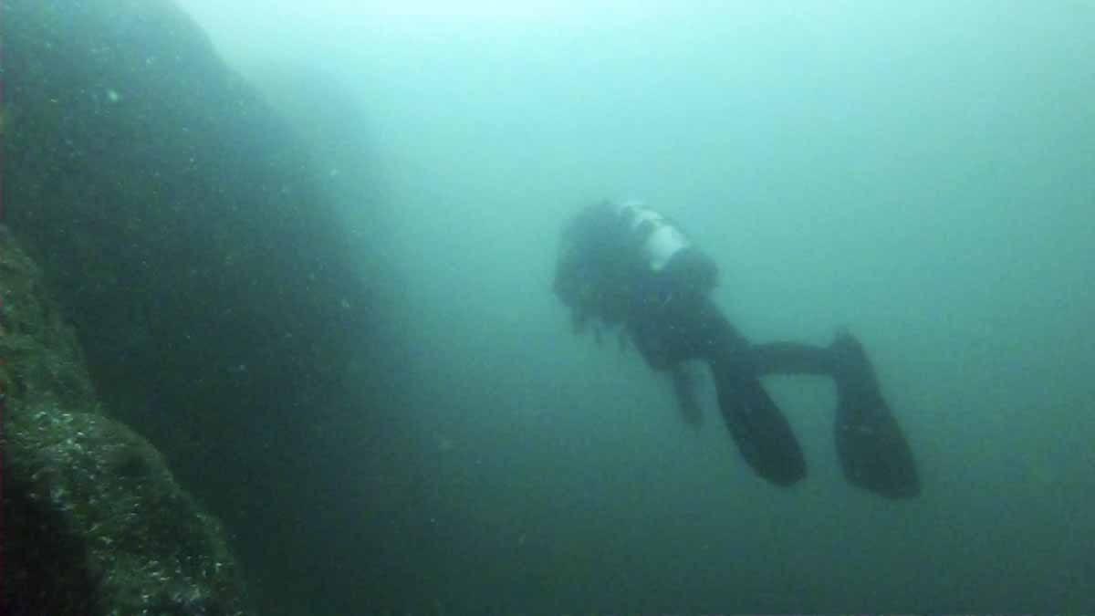 diving lake garda wall