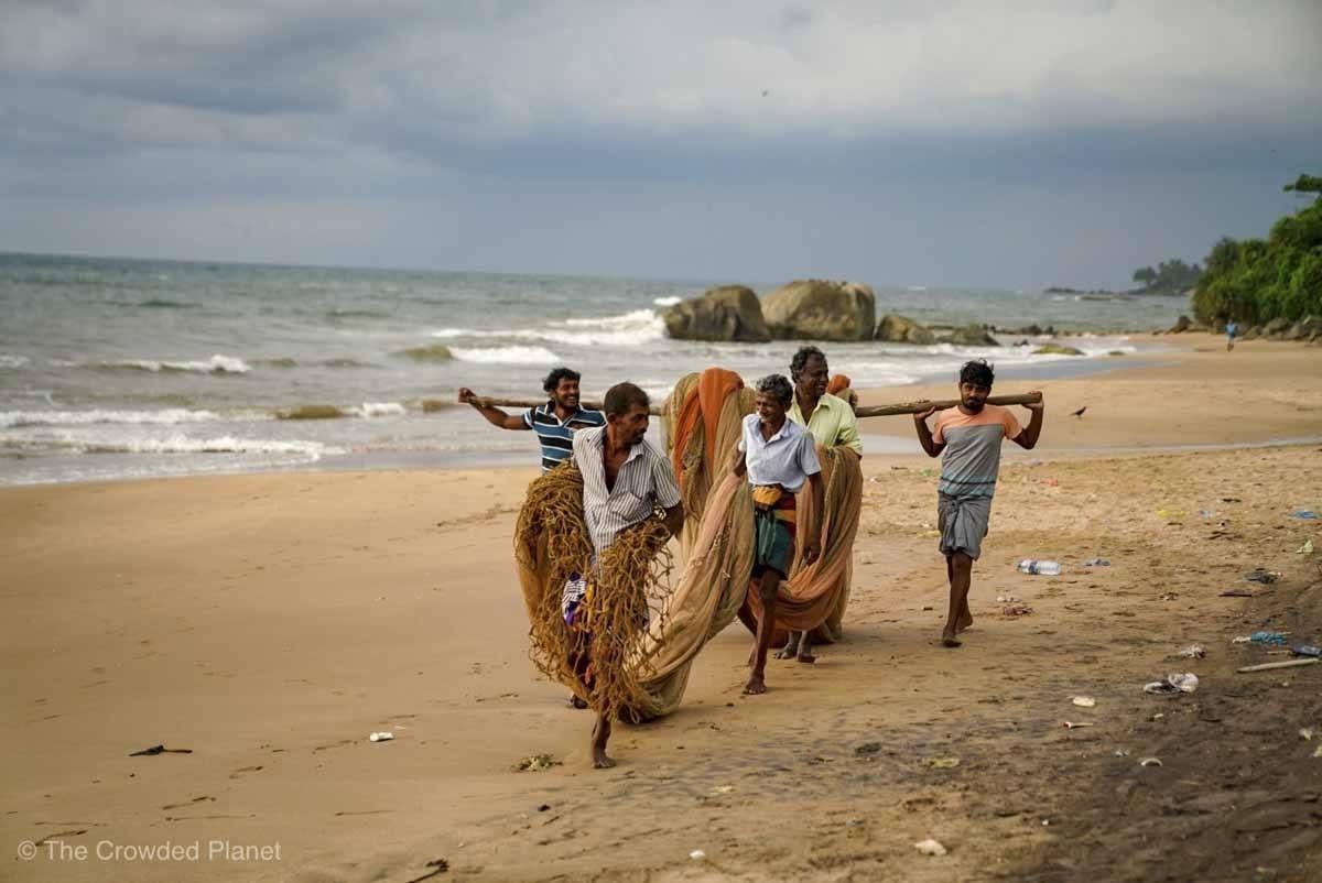 fishermen sri lanka beach